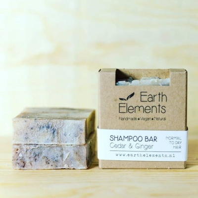 Natuurlijke haarzeep / shampoo bar (Earth Elements) - Cedar & Ginger normal to dry hair